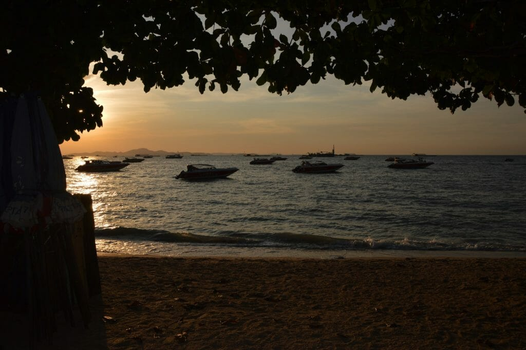 Sunset Pattaya Beach November 2016 © Luchia Houghton